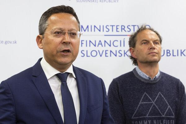 Minister Kamenický.