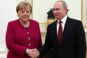 Nemecká kancelárka Angela Merkelová s ruským prezidentom Vladimirom Putinom.