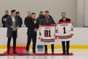 Zimný štadión v Starej Ľubovni prišiel otvoriť aj hokejista Marián Hossa.