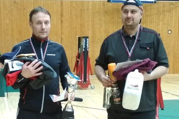 Ján Kizek (vľavo) si vybojoval turnajový primát.