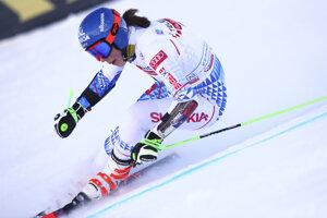Slovenská lyžiarka Petra Vlhová v 1. kole obrovského slalomu Svetového pohára v alpskom lyžovaní v talianskom stredisku Sestriere.