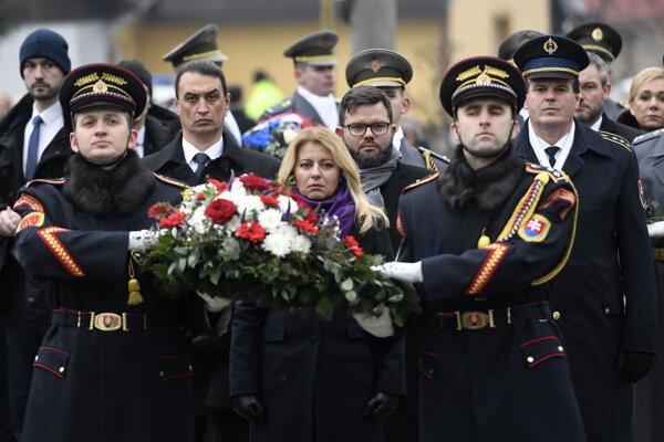 Prezidentka Zuzana Čaputová počas spomienkového podujatia pri príležitosti 75. výročia vypálenia obce Ostrý Grúň nacistickými jednotkami.