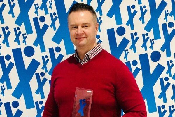 Peter Papík s ocenením Tréner roka na Kysuciach za rok 2019.