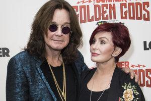Princ temnôt Ozzy Osbourne s manželkou Sharon. Na fotografii sú na udeľovaní metalových cien Metal Hammer Golden God v júni 2018.