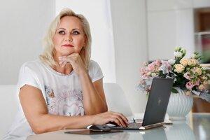 Katarína Kuniková žije v Nitre a vydáva svoj prvý román.