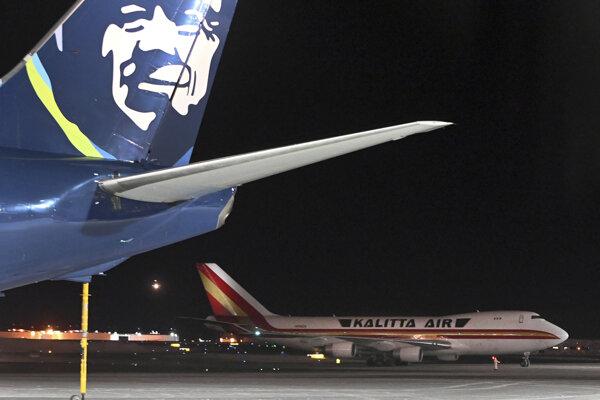 Medzipristátie Boeingu 747, ktorý na pokyn americkej vlády evakuoval vyše 200 občanov Spojených štátov z Wu-chanu.