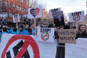 Protest proti fašizmu v Nových Zámkoch.