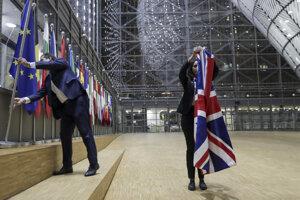 Únia sťahuje britské vlajky.