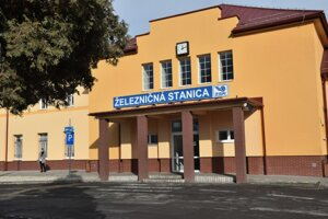 Obidve plánované cyklotrasy majú štart v blízkosti železničnej stanice v Lučenci.