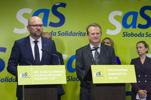 Predseda strany SaS Richard Sulík a dopravný analytik Jozef Drahovský.
