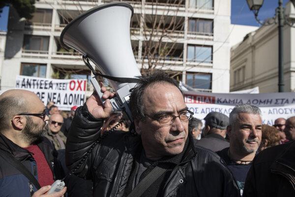 Protestujúci proti táborom pre migrantov.