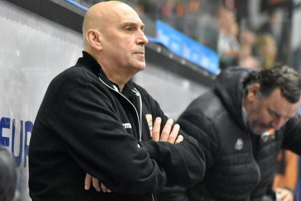 Tréner Dukly Miroslav Chudý.