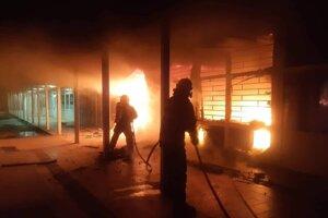 Požiar obchodného centra.
