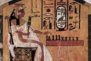 Egyptská kráľovná Nefertari pri hraní Senetu.