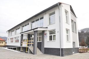 Budova obecného úradu v Dlhej nad Oravou.