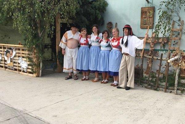 Deti sa v kolibe stretli s rozprávkovými postavami Maťkom a Kubkom.