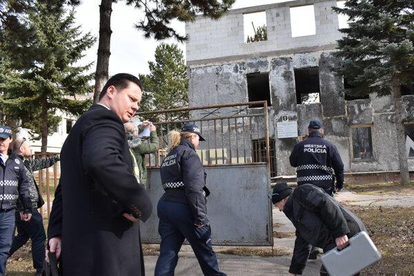 Starosta Lörinc nevylučuje, že spor medzi sídliskom a stavebníkom skončí na súde.
