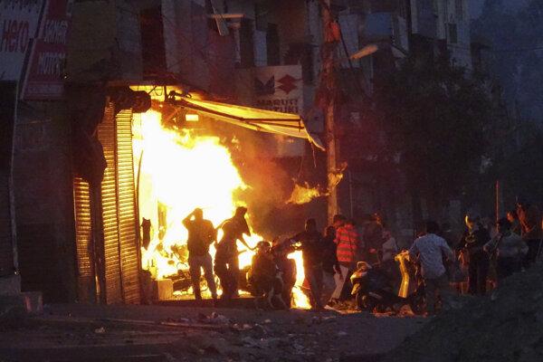 Nepokoje v Naí Dillí 25. februára 2020.