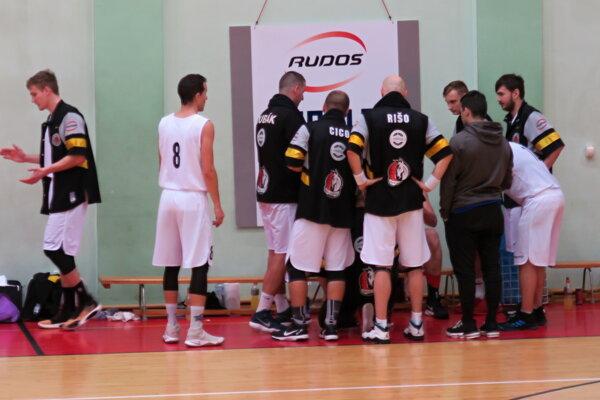 Dolnokubínski basketbalisti sú na chvoste tabuľky o konečné 8. až 13. miesto.