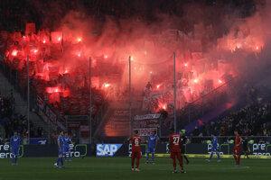 Fanúšikovia Bayernu vyčíňali.