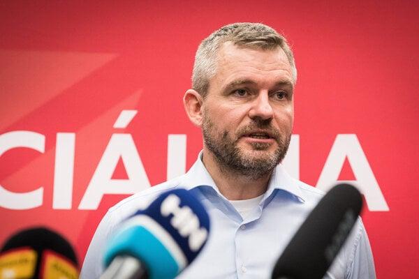 Pellegrini vedie ministerstvo zdravotníctva potom ako nominantka Smeru Andrea Kalavská rezignovala.