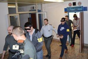 Trojica obvinených živnostníkov.