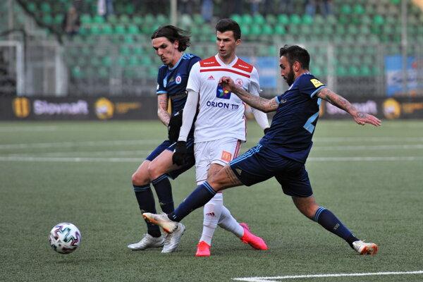 Momentka zo zápasu Trenčín - Slovan.