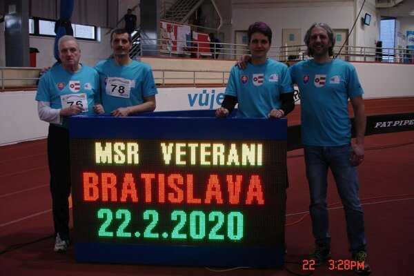 Zľava Jaroslav Lupák, Peter Sládek, Katarína Marettová a Ján Paluga.