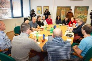 Zasadnutie krízového štábu mesta Malacky v budove Mestského úradu ´.