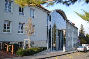 Budova Cambridge International School.
