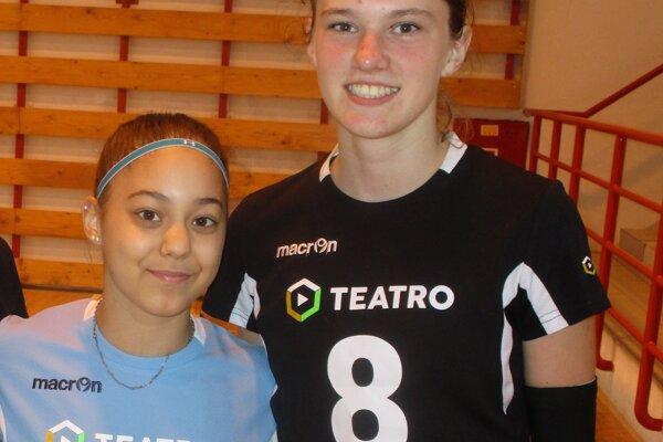 Najmladšie v zostave Slovana: Kristína Sojková (vľavo) a Nina Dreisigová.