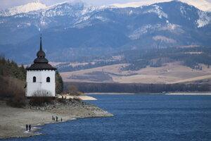 Veža svätomarského kostolíka.