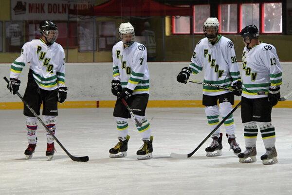 Hokejisti Pucova ostali pod čiarou zostupu.