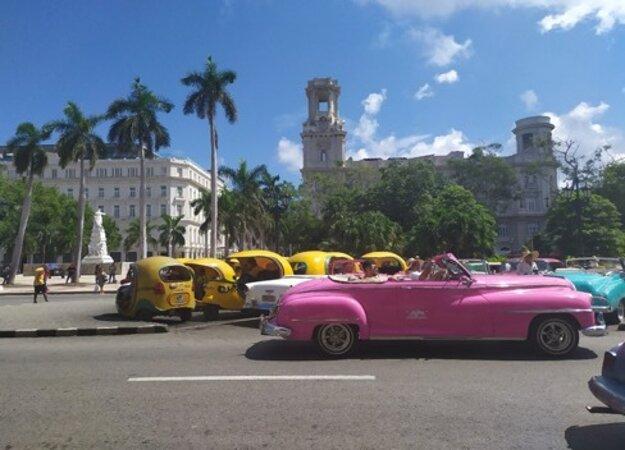 Na Kube sa môžete previesť aj v takomto taxíku.
