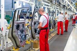 Žilinská Kia zastvuje výrobu od pondelka ako posledná.