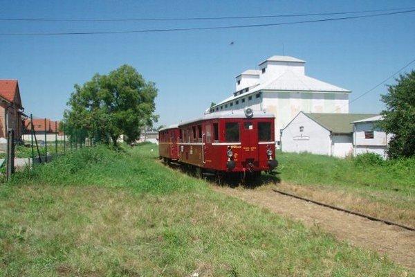 Nadšenci historickej železnice sa trate nechcú vzdať.