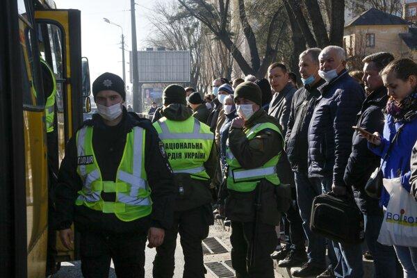 Ukrajinskí vojaci v Kyjeve.