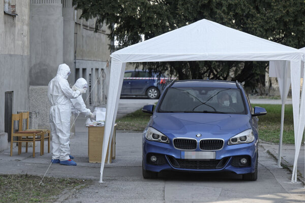 Testovanie z auta v Košiciach.