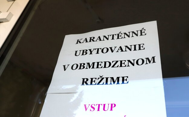 Jedno z karanténnych centier pre nový koronavírus sa nachádza na Havranskej ulici v Banskej Bystrici.
