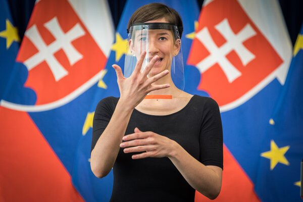 Barbara Randušková hovorí, že pri tlmočení je veľmi dôležitá mimika.