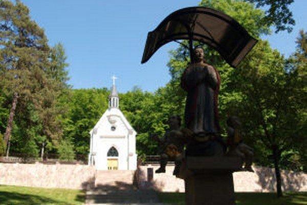 K atraktivitám regiónu patrí aj novobanské pútnické miesto Kohotúvo.