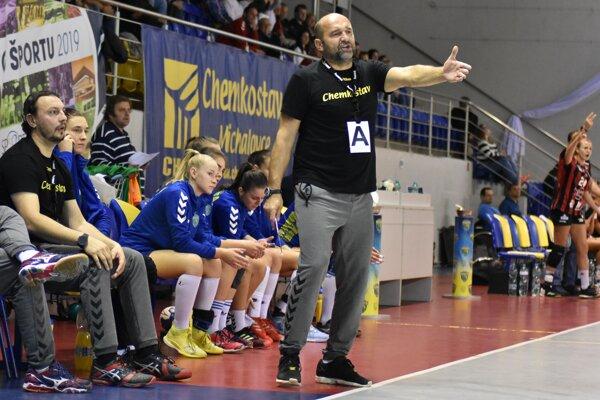 Kormidelníka Petra Dávida v minulej sezóne tešil vývin mladého michalovského družstva.