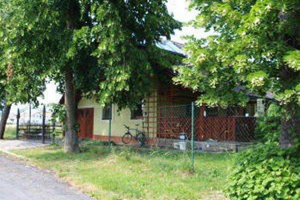 Dom na okraji historického parku je stále témou.