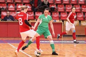 Nikola Rybanská (vľavo) strelila v drese Topoľčian v minulej sezóne najviac gólov.