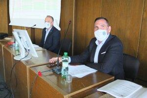 Výsku primátorovho platu Petra Antala schválili žiarski poslanci jednohlasne.