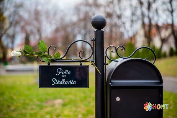 Pošta pre Sládkoviča.