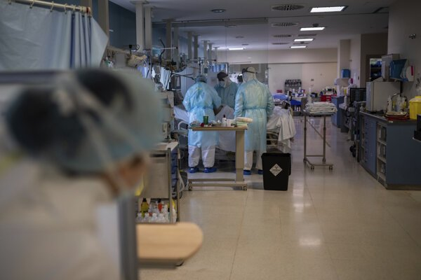 Situácia na oddelení intenzívnej starostlivosti v nemocnici v Madride.