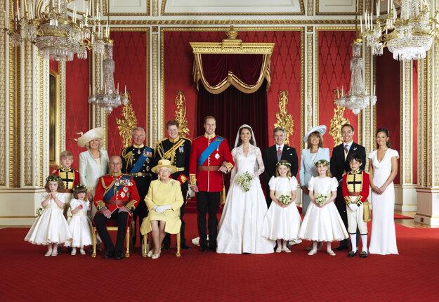 Spoločná svadobná fotografia po sobáši princa Williama s Kate, 29. apríl 2011.