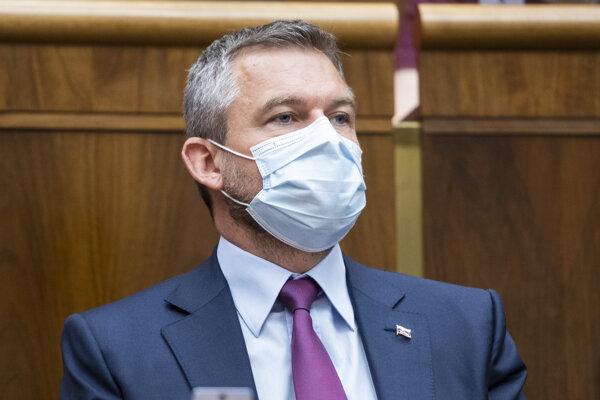 Podpredseda NR SR Peter Pellegrini (SMER-SD) počas 6. schôdze NR SR.