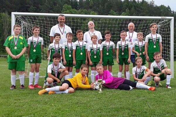 Vlaňajší víťazi. Mladí futbalisti U11 sa prejavili vo výbornej forme avminulom roku dominovali.